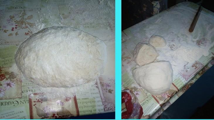 Вымешиваем тесто и накрываем полиэтиленовым кульком