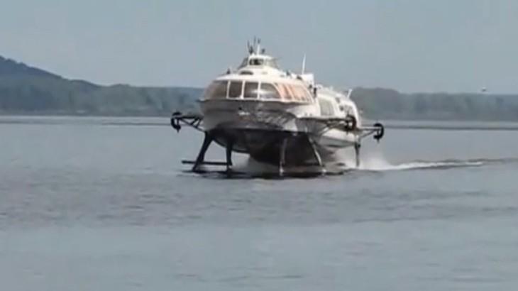 Корабль на подводных крыльях