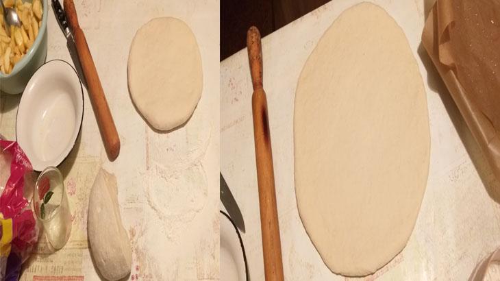 Разрезанное тесто на две половинки