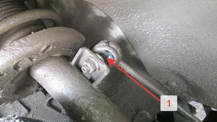 Передняя стойка стабилизатора автомобиля