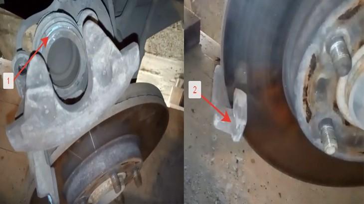 Смазываем смазкой поршень тормозного суппорта и пазы